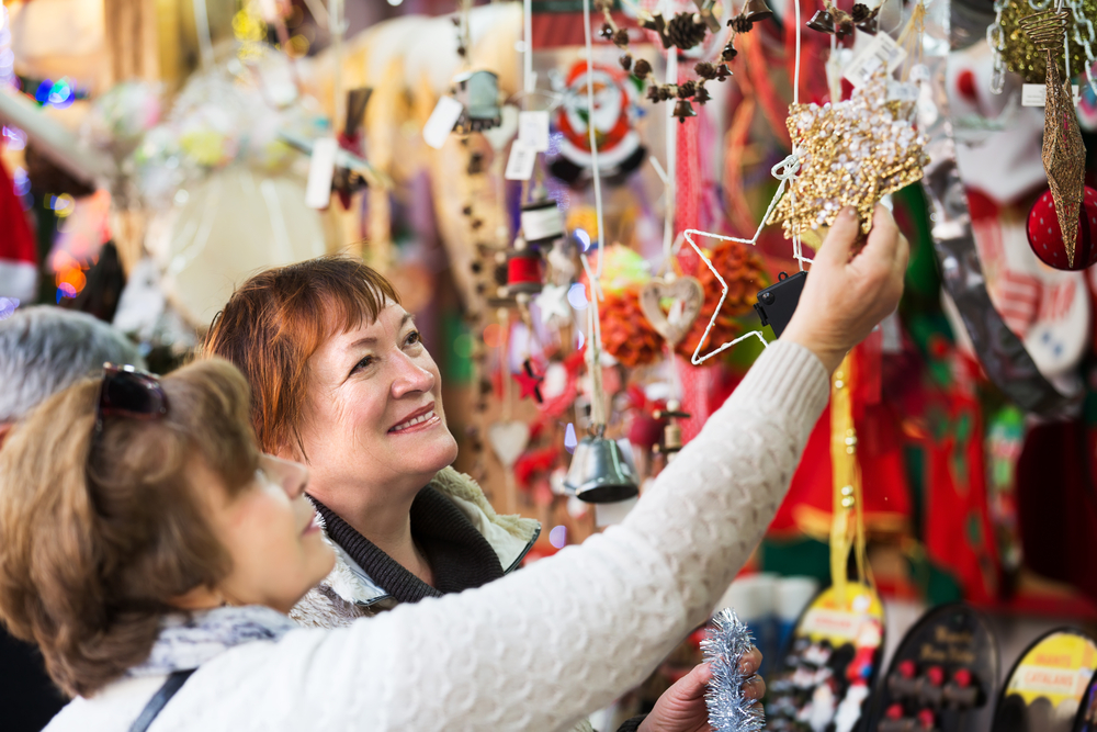 Holiday Shopping Safety Tips for Seniors